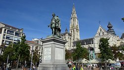 Peter Paul Rubens Statue