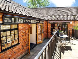 Millers Bar & Restaurant