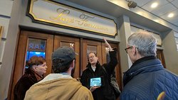 !NEW! Carl with guests / The Original Broadway Food Tour - book on our website