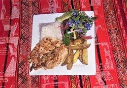 Menu del dia  Pollo a la plancha con papas nativas, arroz y ensalada organica Menu of the day Grilled chicken with local potatoes, rice and organic salad