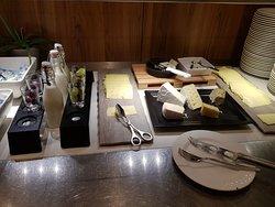 Frischer Käse und Lachs