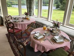 Breakfast room.