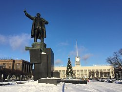 Statue of Lenin at Finland Station (Finlyandskiy Vokzal)