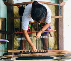This how Balinese people to make songket in Villa Iseh Sidemen. You can and learn this activity in Villa Iseh Sidemen.