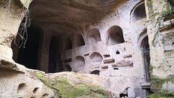 Detalle de las tumbas excavadas.