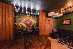 Villa 1052 Pub