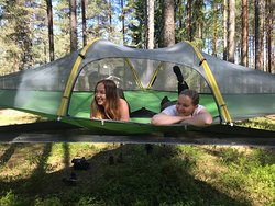 There are several lean-to places for free accommodation but you may also pay for a night in a tentsile.