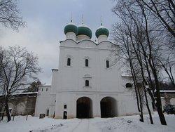 Надвратный храм преподобного Сергия