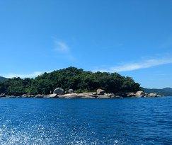 Ilha dos Cocos Beach