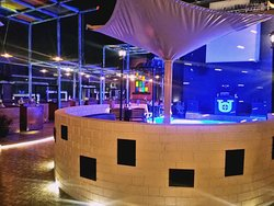 LIVE MUSIC AND DANCE ARENA