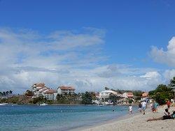Vue de la mer sur la plage