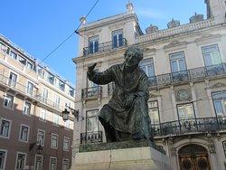 Estatua de Antonio Ribeiro Chiado