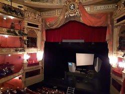 prachtige theaterzaal in de Opera van Gent