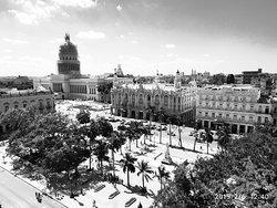 Photo Touring Cuba