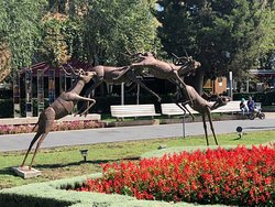 Sculpture Antelope Jumping
