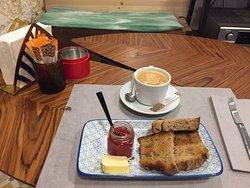 Fui a desayunar, y la decoración está muy bien, pero no me gustó mucho el desayuno, no creo que vuelva, por el mismo dinero tienes mejores desayunos en la zona.