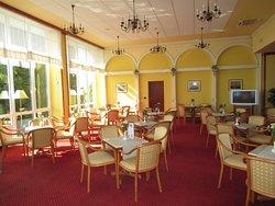 В баре отеля Кристалл, Опатия, Хорватия