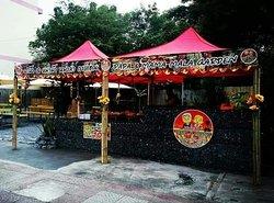 Papa&Mama bar,restaurant,pansion