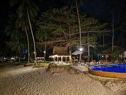 Lipa Lodge Beach Resort