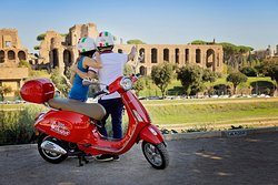 ‪My Vespa Sightseeing Tours‬