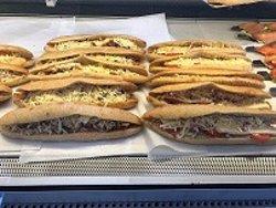panini kebab, chorizo chèvre, reblochon lardons, poulet curry,