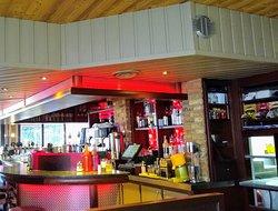 Photo du bar, vu de la petite salle de derrière
