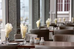 carlton hotel dining