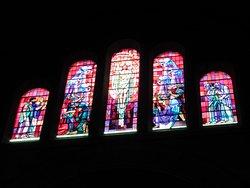 Vitraux d'un des deux transept