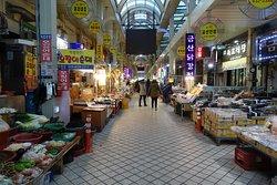 Sokcho Central Market
