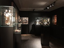 Me Collectors Rooms