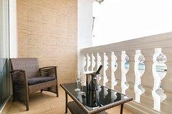 Отличное начало дня номер люкс с балконом и видом на море