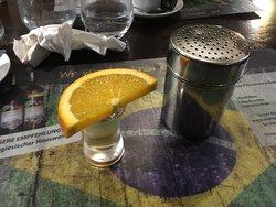 brauner Tequilla mit Zimt zum Abschluß :-)
