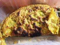 2 de mes plats préférés au Lao Viet: Banh Xeo (omelette Vietnamienne) et crevettes poivre/sel ; vraiment exquis