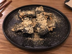 Seaweed crips with almond dust