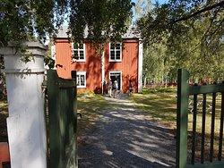 Besökare vid skolan friluftsmuseet Murberget.