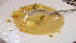 Ulubiona moja zupa - kapuśniak. Tylko 3 dokładki zjadłem bo przecież jeszcze drugie.