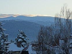 Widok z pokoju na góry - Sudety i Śnieżkę.
