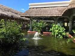 Beautiful Resort but really big!
