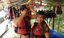 Lithuanian guests get reday toto adventurethe rafting