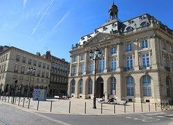 La Bourse Maritime, Place Laîné, bâtiment construit dans les années 20