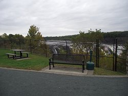 NEW YORK - COHOES - DAY #1 - FALLS VIEW PARK #9 - PICNIC AREA ON THE FAR SIDE OF THE BRIDGE
