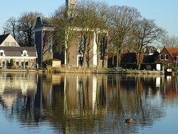 Amstelkerk gezien vanaf de Amstel