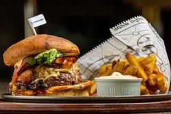 BBQ Burger + Fries + Street sauce