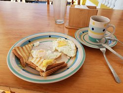 Horrible breakfast: only two egss, toasted bread and coffee; No water or juice! If you want them, you need to pay extra
