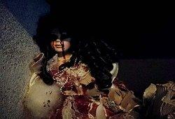 Découvrez les poupées du Dollmaker, dans cette enquête qui saura vous glacer le sang !