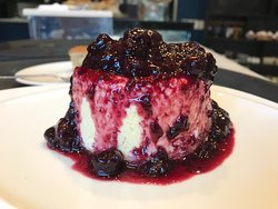 Torta cheesecake: sablée de vainilla, crema de queso y frutos rojos