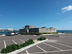 Fort Montagu from the road and car park