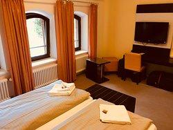 Sehr ruhiges und idyllisches Hotel am Ortsrand von Waren direkt am Tiefwarensee.