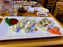 Naked Tchopstix Avocado Roll and Salada Roll