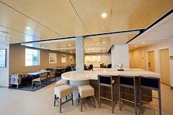 Breakfast/Lobby area
